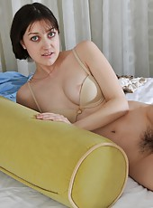 Pale natural nympho Wendy gets so turned on that she rips of her clothes and grinds her hairy box into a long cushion. You