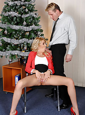 Xmas blowjob for secretary