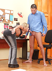 Blonde babe Christal sucking cock