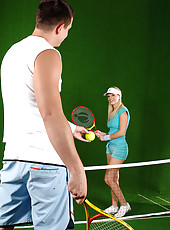Lucky tennis coach gets a blowjob