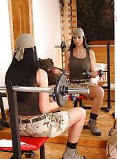 Army chick Lisa Sparkle sucks dick