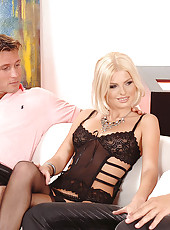 Blond Wiska gets two dicks in her