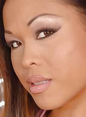 Asian babe Jade sucks some big cock