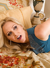 Julia Ann is really thankful that Jessy has been hanging out with her son and being a great role model for him. She invites him over to thank him for all he has done, but she has ulterior motives for inviting him over. Her friend told her that Jessy has a