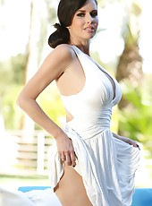 Veronica Avluv looks so beautiful in her white dress, but even better as she strips it off.