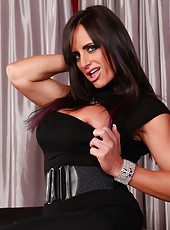 Nikki Jackson starts off this hot photo set with the flexing of her biceps and triceps, they are toned and tough!
