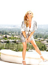 Sexy blonde babe, Rachel Aziani, puts on a sexy outdoor striptease in the hot California sunshine showing off her big tits and hot body!