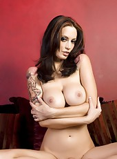 Hot busty brunette, Nikki Nova, is a dream in her leopard print bra, panties and jeans and even better out of them showing off her big boobs and sweet shaved pussy!