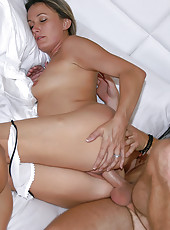 Check out this hot ass park milf get drilled hard in this amazing super sexy reality milf pounding pic set
