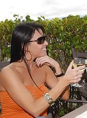 Smoking hot ass mini skirt milf gets her hot fucking ass picked up and cumfaced