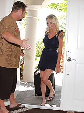 Hot mini skirt gets her luggage mixed up with a horny milfhunter in search of the lastest juice box to pop in these hot cumfaced pics