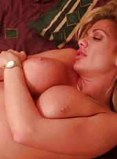 Hot girl on girl milf action using double dildo to fuck