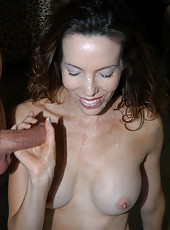 Sexy brunnette milf shows why experience is key in these pix