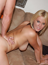 This sexy blonde milf mamma takes the long rod here in these steamy pics