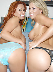 These 2 steamy hot milfs are gettin down and dirty in these hot jakoozi pics