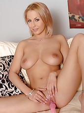 Blonde babe Mandy Dee toying pussy