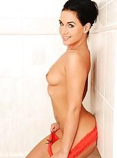 Bathroom masturbation of Kety Pearl