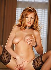 Sexy Carmen Gemini stripteasing