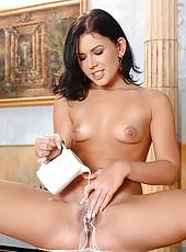 Hot Rihanna Samuel milking pussy