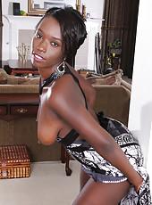 Elegant ebony MILF Sayana Monroe spreads her chocolate ass wide