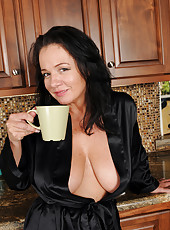Hot 45 year old housewife Pepper Ann enjoying a fresh coffee naked