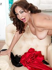 Ass-fucking, Cum-guzzling Latina Milf