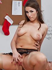 Paige Turnah fucks and sucks  a huge dick.