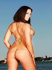 Chanel Preston public nudity