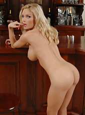 Diamond Foxxx naked in public