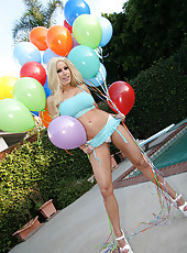 Gina Lynn naked outdoors in the sun