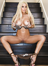 Gina Lynn nude and masturbating