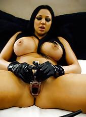 Audrey Bitoni masturbates with toys