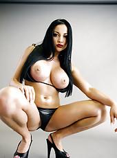 Audrey Bitoni strips a bikini