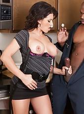 Sexy milf pornstar Leena Sky prefer big black dicks