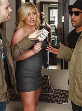 Busty blonde milf Heidi Hollywood fuck her black friend on sofa