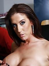Sexy milf pornstar Gianna Foxxx service black guy with pleasure