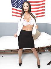 Awesome and sexy action with a dangerous brunette slut named Angelina Valentine