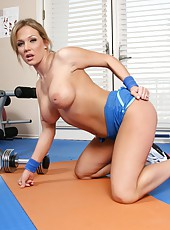 Amazing milf Nikki Sexx doing her morning exercises getting naked