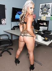 Secret SWAT agent Carmen Jay and her fantastical methods of seducing