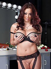 Amazing babe with great breast and unforgettable face Mia Lelani poses backstage