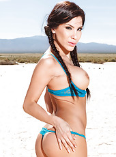 Mesmerizing babe Aleksa Nicole poses outdoor on a dry lakebed