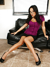First-class Asian babe with beautiful big breast Asa Akira strips in the office