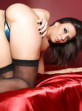 We meet amazing bombshell with big tits Rachel Starr in the local sex shop