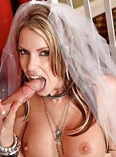 Courtney Cummz fucking with her bride