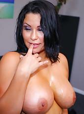 Naive whore Sophia Lomeli enjoying a big cock and waiting for a cumshot