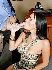 Sexy milf Vanilla Deville making a deepthroat and getting drilled with a big cock