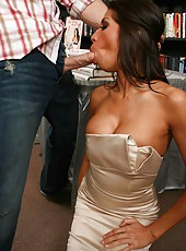 Glamorous milf Kayla Carrera seduces a stranger and made him a real blowjob