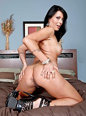 Dirty milf Zoey Holloway showing amazing ass and jilling nice shaved pussy