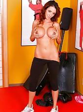 Perfect milf Ariella Ferrera practicing sports and showing big tits