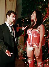 Happy New Year with a dangerous brunette slut named Ariella Ferrera